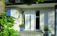 Tylne drzwi zewnętrzne wykonane przez AL Bielsko